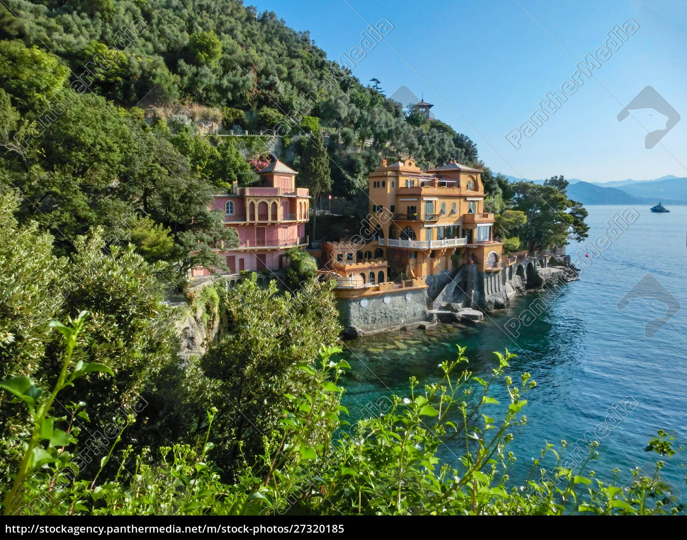 seaside, villas, near, portofino, in, italy - 27320185