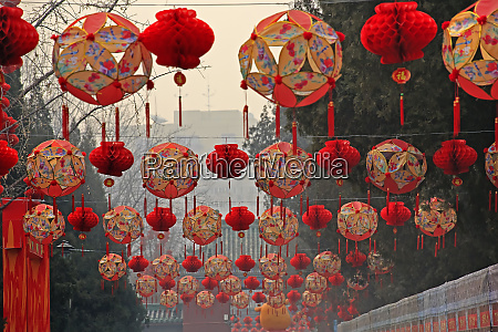 lucky red lanterns chinese new year