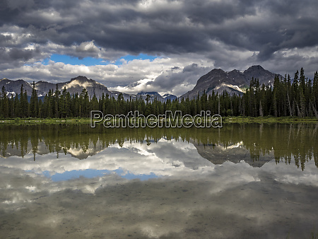 spray valley lake reflection alberta calgary