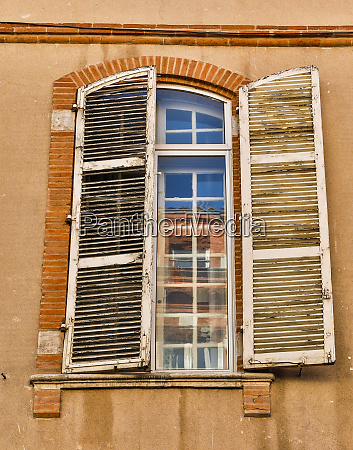france toulouse window and shutters in