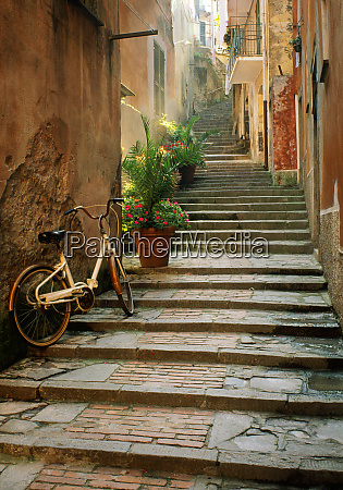 italy cinque terre monterosso bicycle and