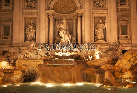 trevi fountain fontana de trevi close