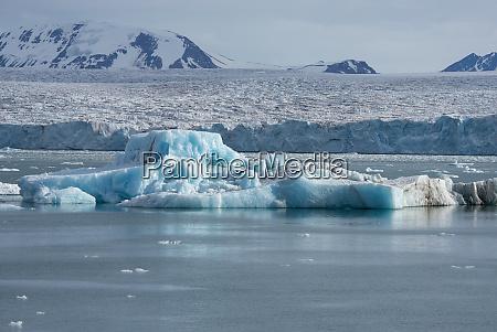 norway barents sea svalbard spitsbergen northwest