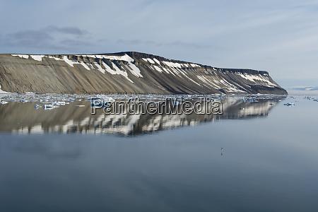 norway barents sea svalbard nordaustlandet palanderbukta