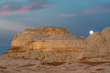 moon and clouds at sunrise vermillion