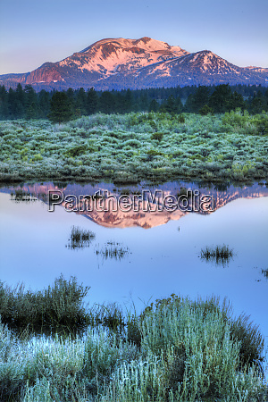 usa california mammoth mountain reflects in
