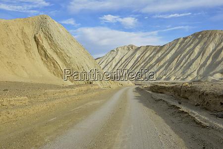 usa california death valley dirt road