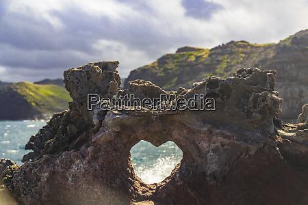heart shaped opening near nakalele blowhole
