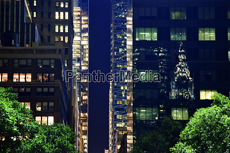 chrysler building reflection apartment buildings bryant