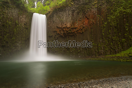 usa oregon abiqua falls waterfall over