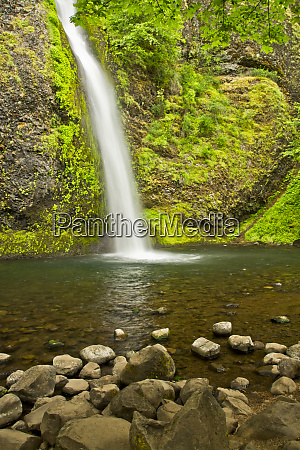 horsetail falls columbia gorge oregon usa