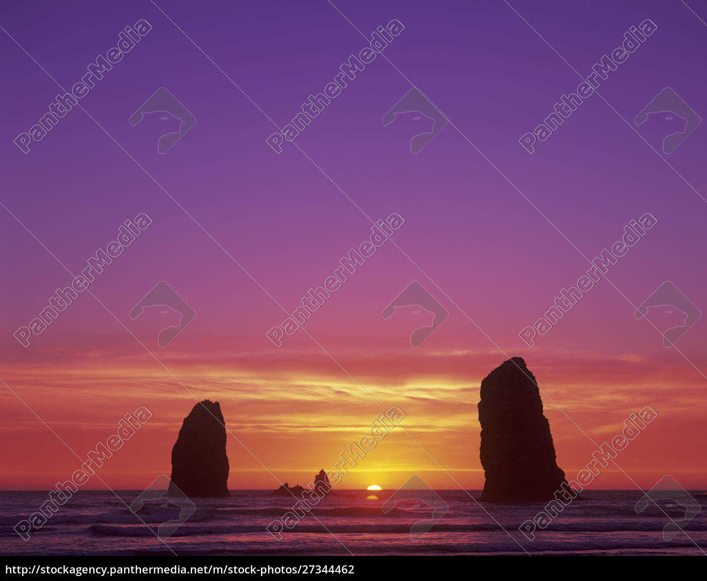 or, , oregon, coast, , cannon, beach, , seastacks - 27344462