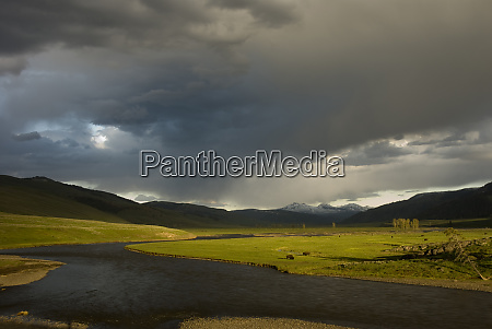 usa wyoming yellowstone national park sunset