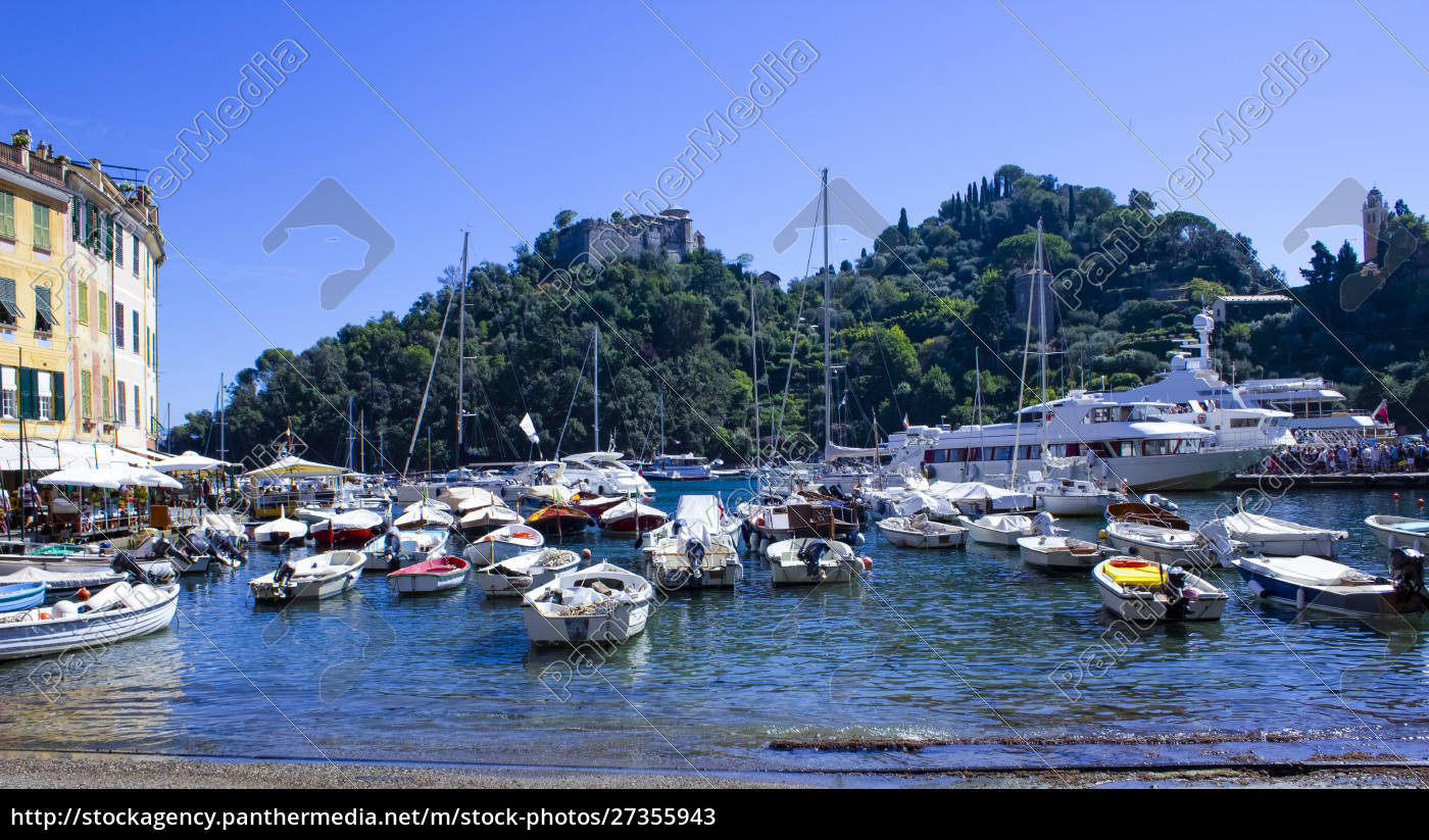 beautiful, bay, with, colorful, houses, in - 27355943