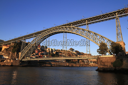 the dom luis i bridge across