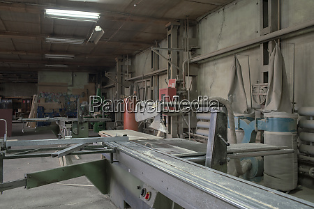 carpentry workshop saw