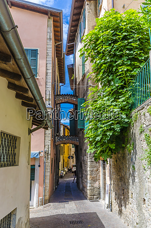 italy lombardy salo old town alley
