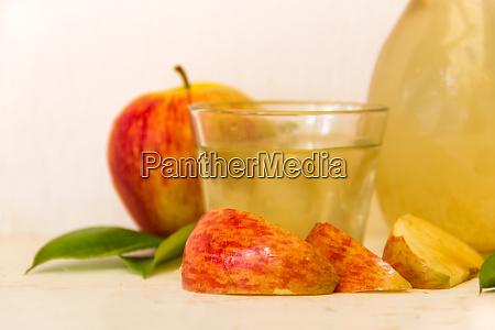 preparation of healthy organic apple cider