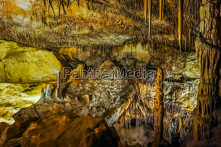 cuevas del drach or dragon cave
