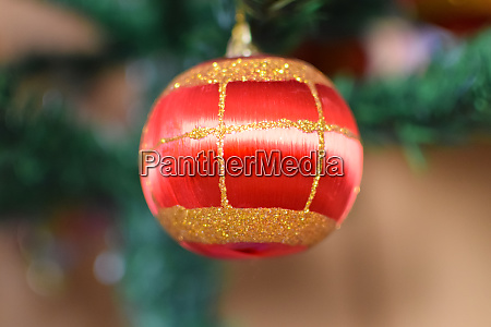 glass beads for decorating the christmas