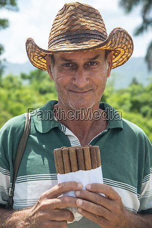 local man selling cuban cigars in