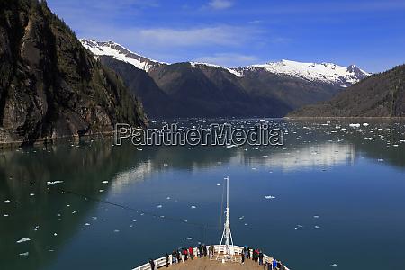 cruise ship endicott arm holkham bay