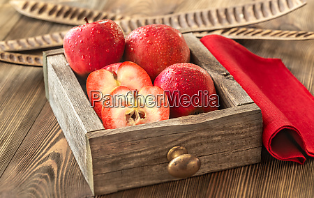 apples with red flesh