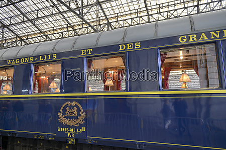 orient express blue train stopped in