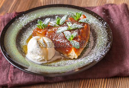 portion of tarte tatin