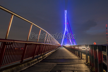 weseler rhine bridge at night