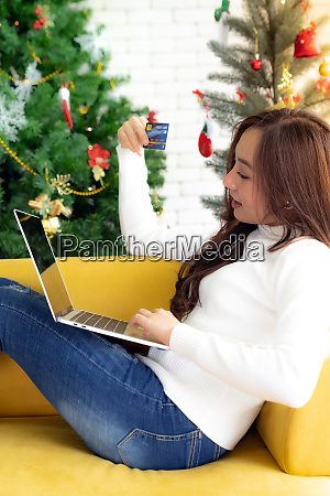 young adult shopping christmas holiday