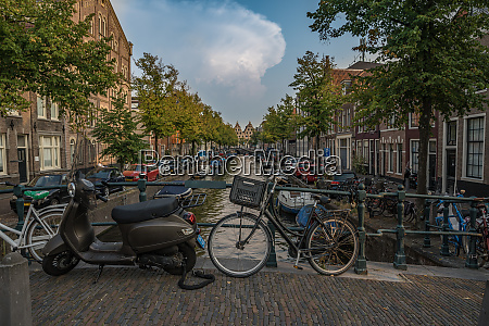 ordinary life in holland amsterdam during