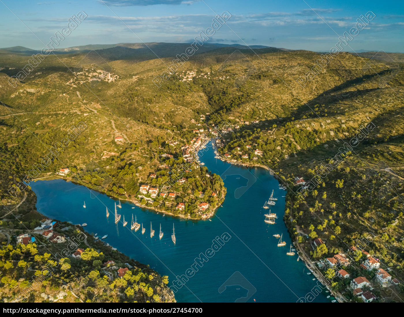 aerial, panoramic, view, of, bobovisce, town, - 27454700