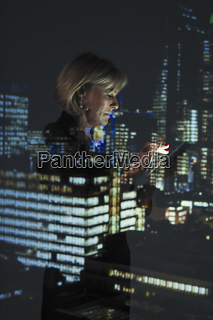 double exposure businesswoman with smart phone