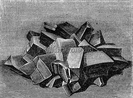 crystalline form of copper sulfate vintage