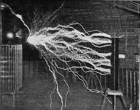 high voltage discharge in the tesla