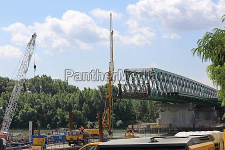 bridge construction bratislava
