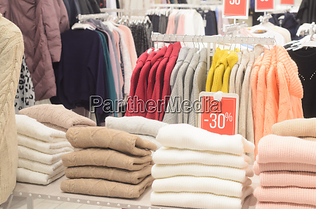 label with discount on clothingsale of