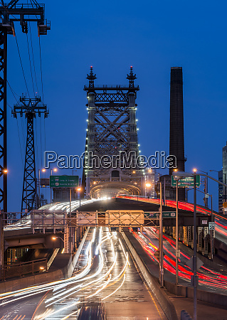 traffic entering and exiting on queensboro