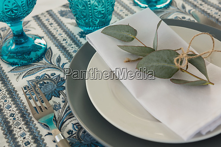 floral theme table setting