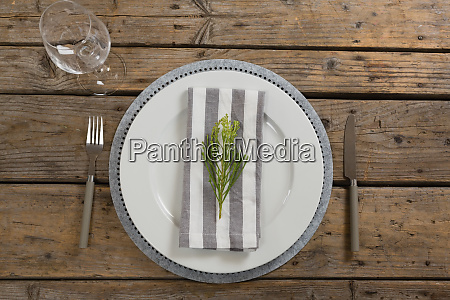 fork butter knife and wine glass