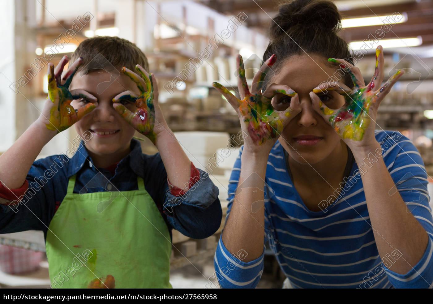 mother, and, son, gesturing, in, pottery - 27565958