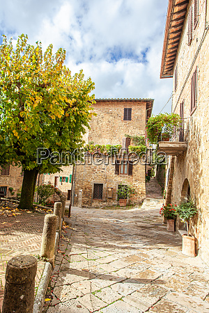 tuscan medieval village monticchiello tuscany italy