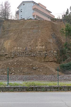 house landslide erodion