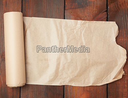 roll of untwisted brown paper on