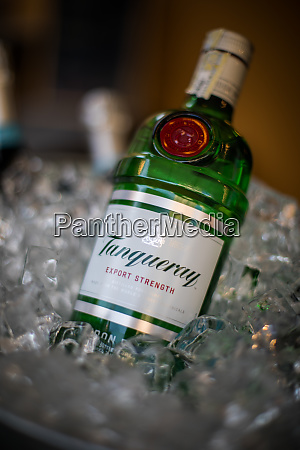 illustrative editorial image of a tanquerai