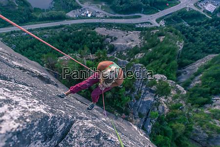 rock climber ascending heatwave the chief