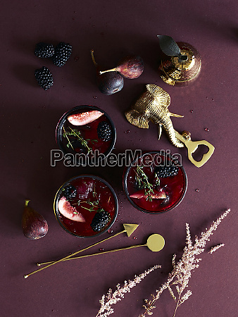 figs blackberries pudding elephant head shaped