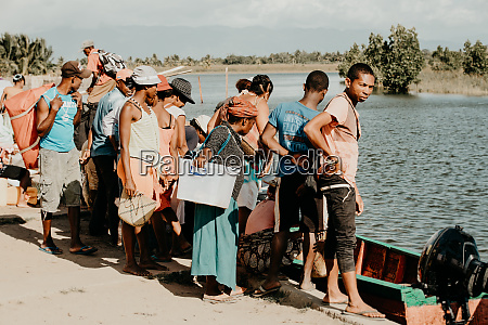 people wait for taxi boat maroantsetra