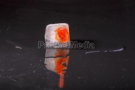 ice cube thaws up